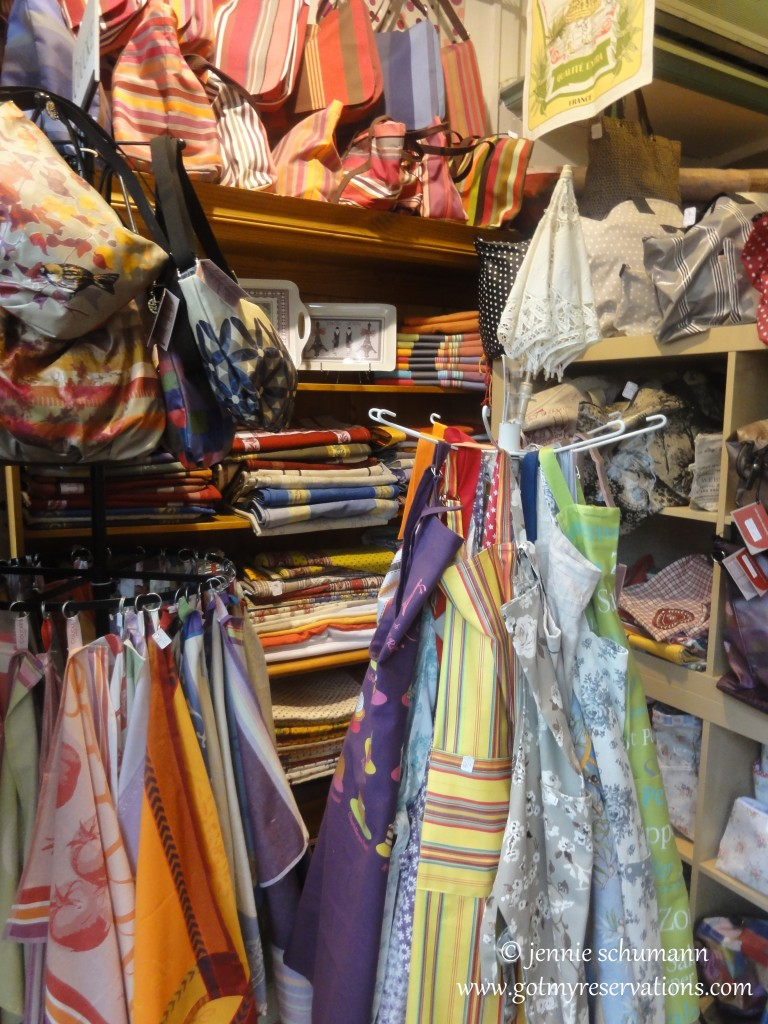 GotMyReservations -- La Victoire in Aix-en-Provence Towels and Aprons