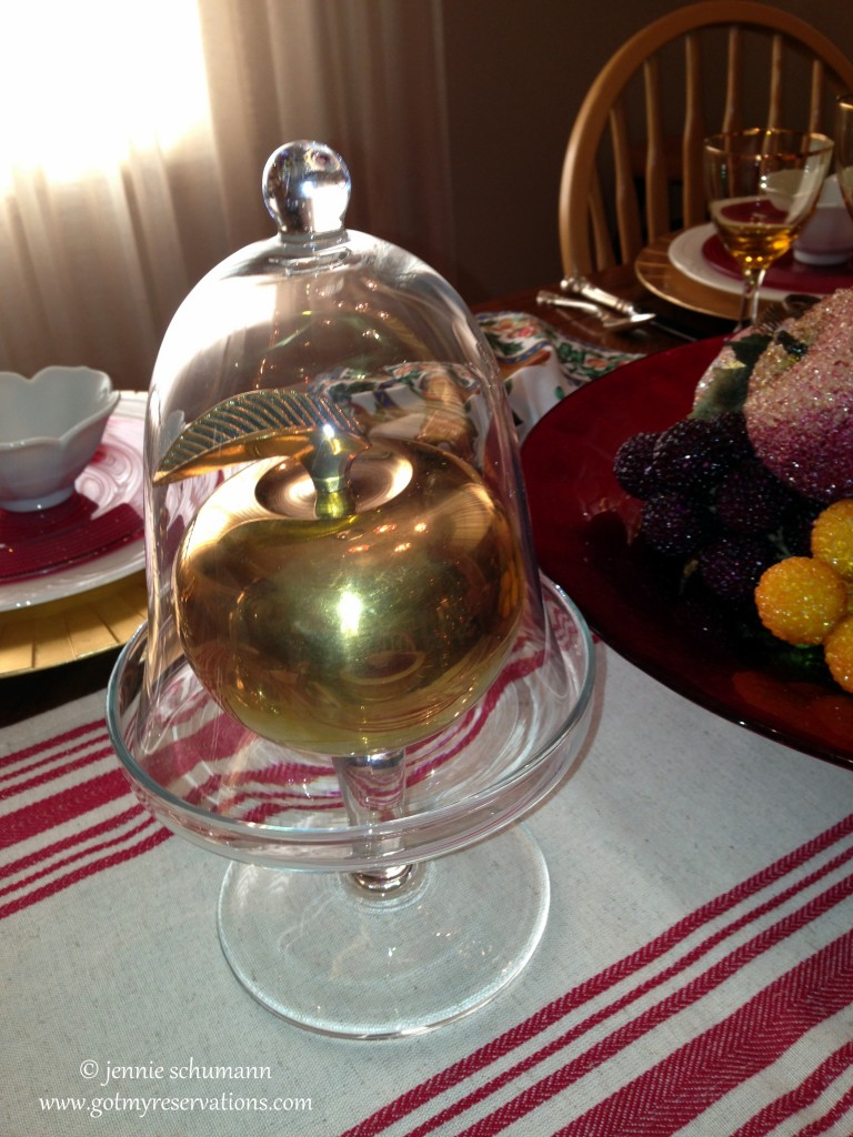 GotMyReservations - An Apple for the Teacher Tablescape Cloche with Golden Apple