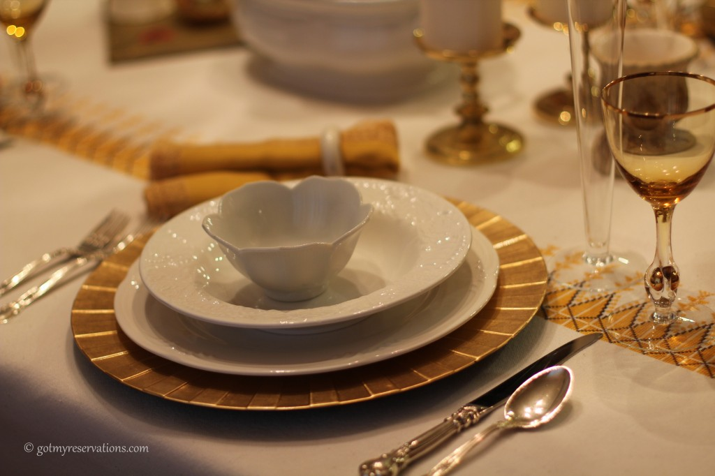 GotMyReservations - Falling into White and Gold Place Setting