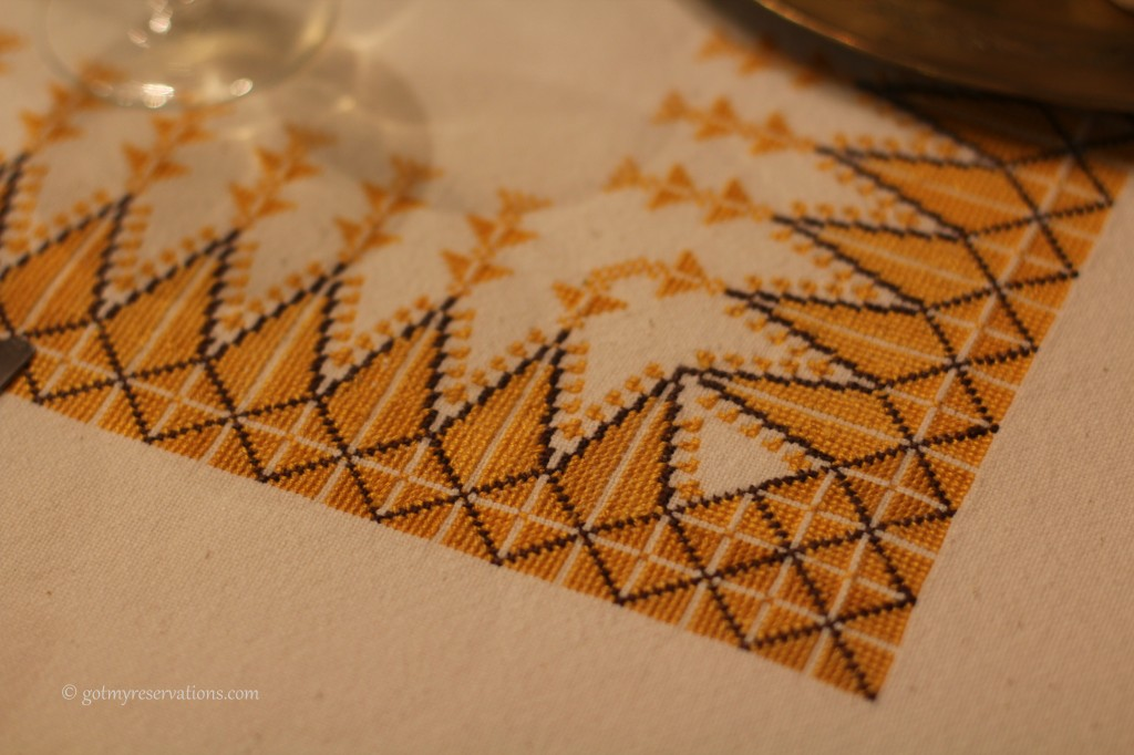 GotMyReservations - Falling into White and Gold Tablecloth Detail