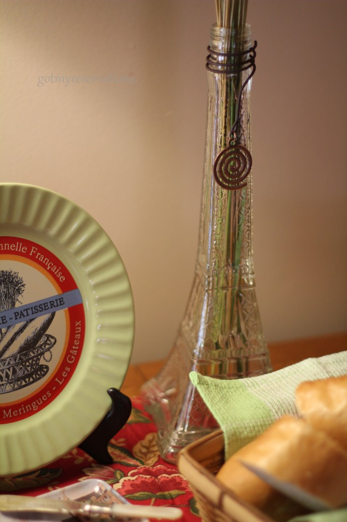GotMyReservations -- Baguette du France Eiffel Tower Detail