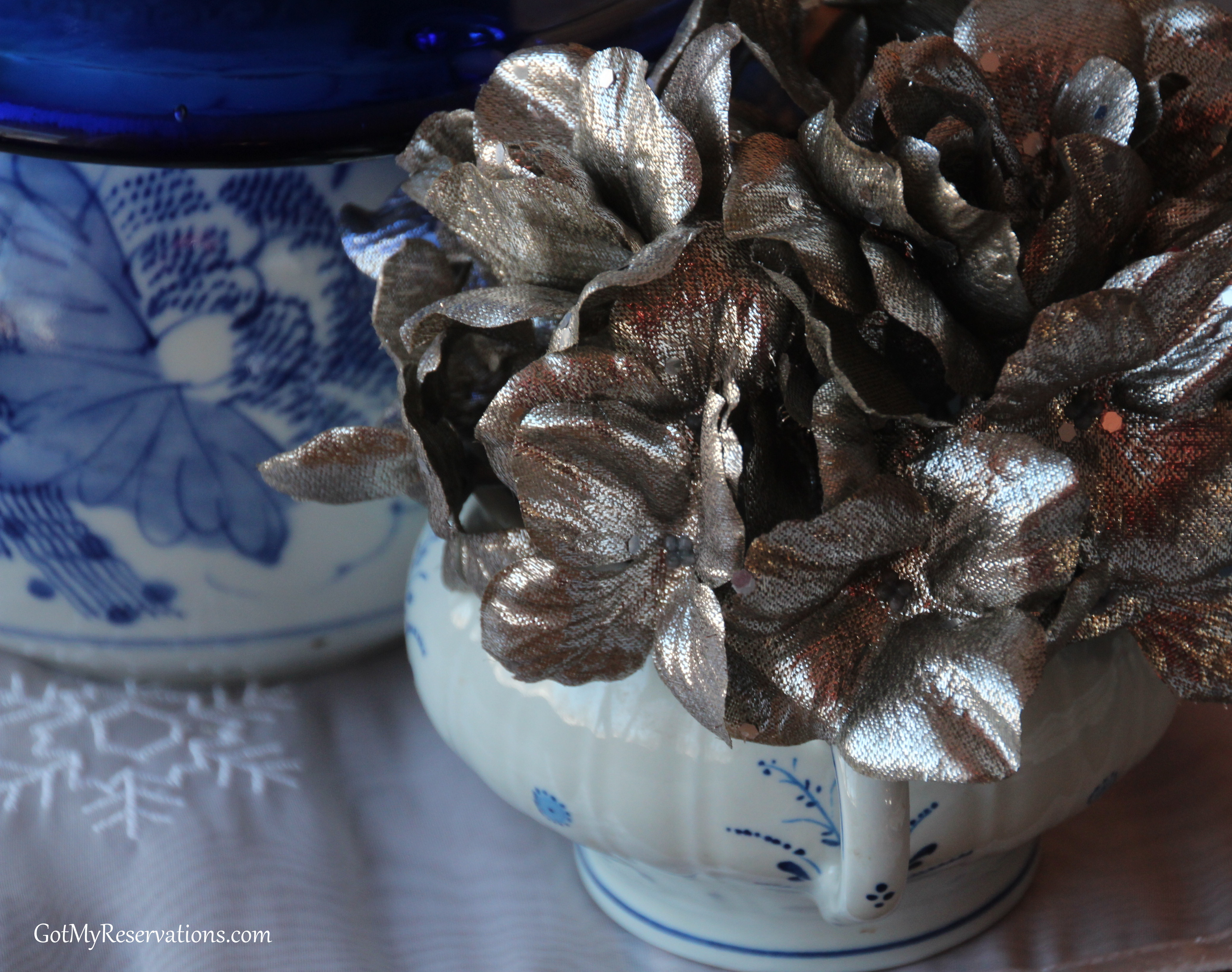 GotMyReservations Winters Blue Tablescape 3