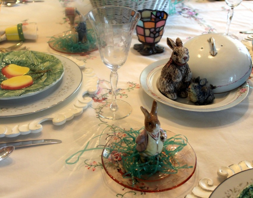 GotMyReservations Easter Tablescape Bunnies