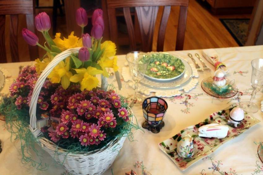GotMyReservations Easter Tablescape Centerpiece