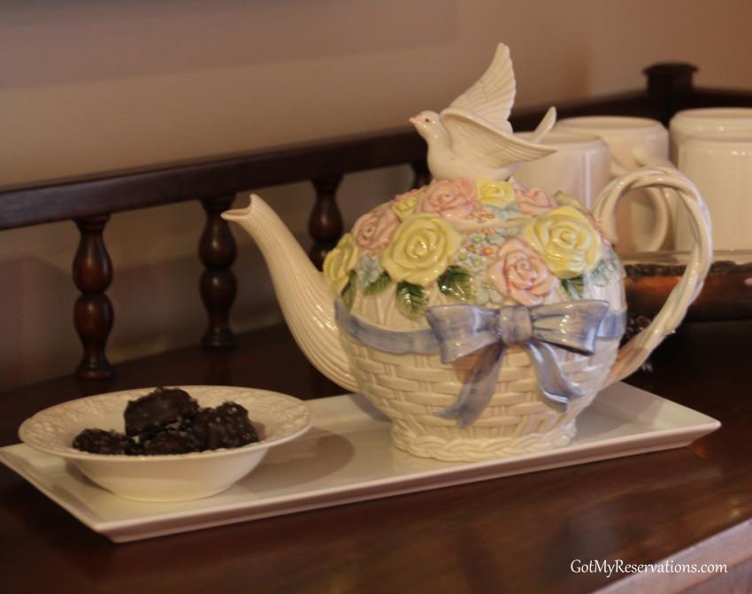 GotMyReservations Spring Garden Party Teapot