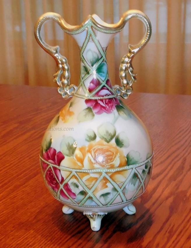 GotMyReservations - Nippon Rose Vase 1