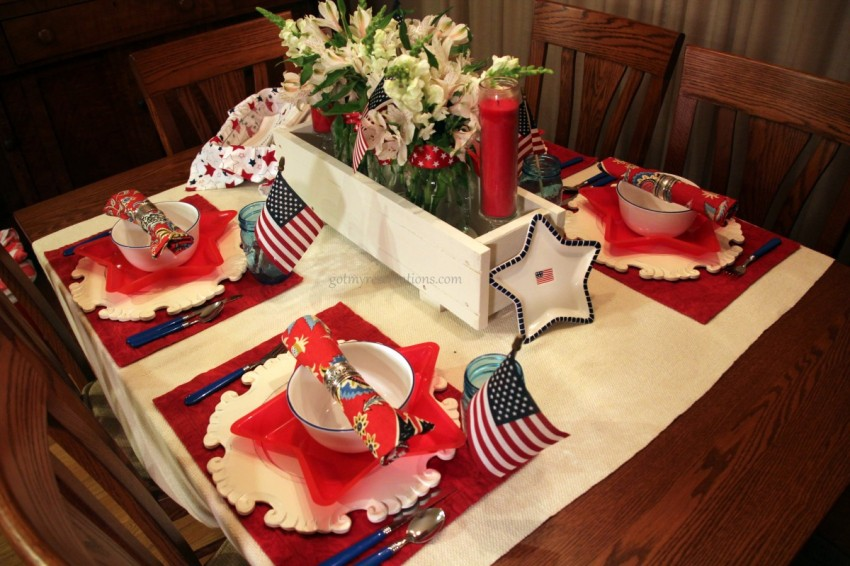 GotMyReservations Stars and Stripes Tablescape