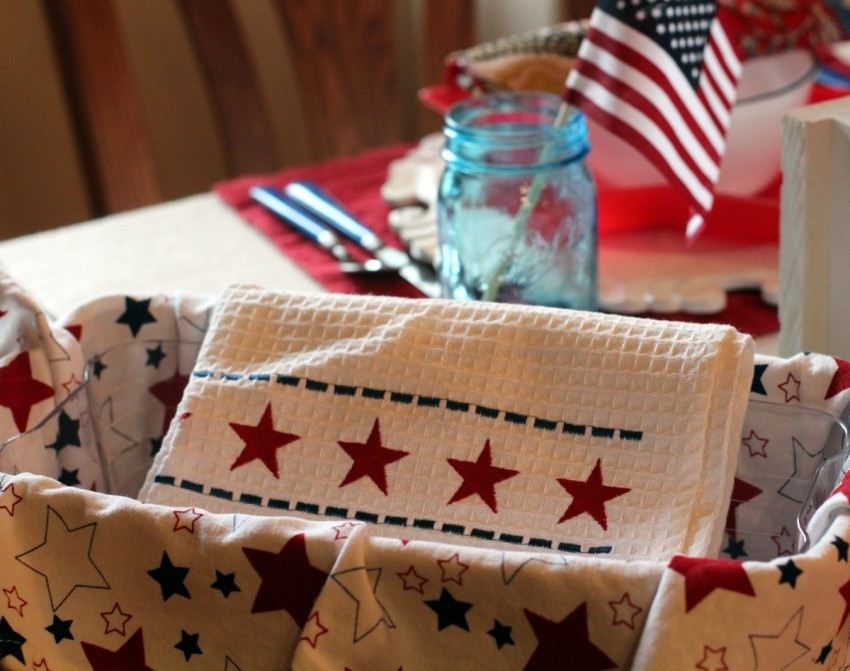 GotMyReservations Stars and Stripes Tablescape Linens