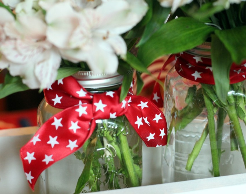 GotMyReservations Stars and Stripes Tablescape Square Knot