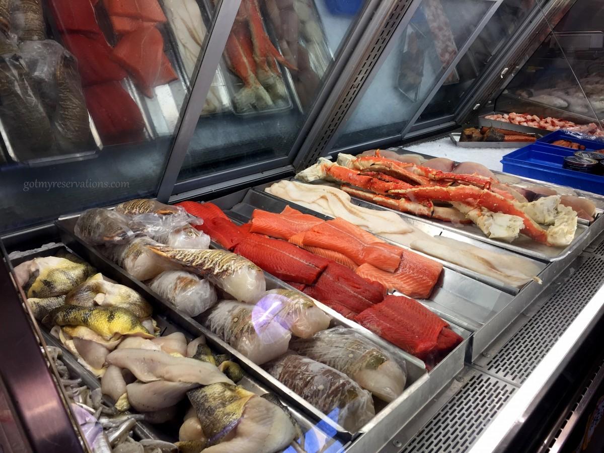 Foodie friday fabulous fresh fish at boston fish market for Boston fish market des plaines illinois
